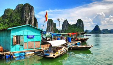 Cua Van Fishing Village in Halong Bay