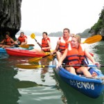 Get ready for kaying in Halong bay