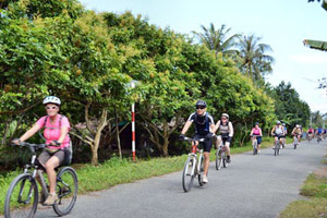 A Gentle Cycling My Tho & Ben Tre Tour