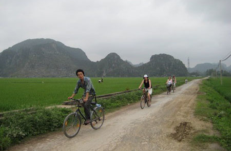 Cycling in Tam Coc