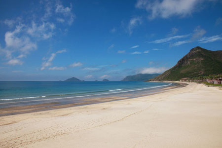 Dat Doc Beach - Con Dao Island
