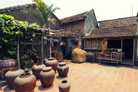 Duong Lam ancient villages