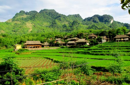Hoa Binh & Hill Tribe Villages – Day Trip