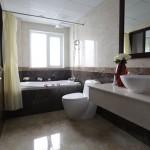 La Belle Vie Hotel Hanoi Bathroom