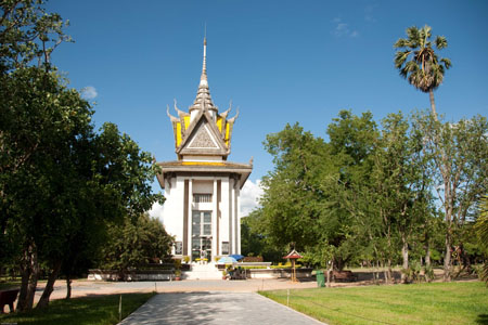 Monument at Choeung Ek