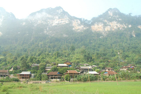 Pac Ngoi Village