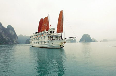 Paloma Cruise Halong Bay Overview