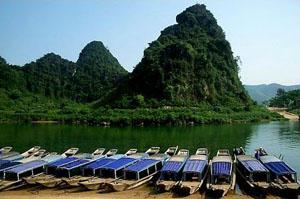 Phong Nha Grottos & Vinh Moc Tunnel – Day trip