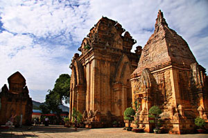Nha Trang – Triangle Religious Trip – Half Day