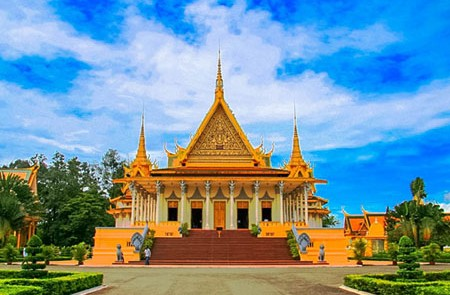 Vietnam & Cambodia Explore Tour – 19 Days