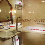 Grand Hotel - Bathroom